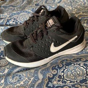 Boys Nike Downshifter 7 Sneakers